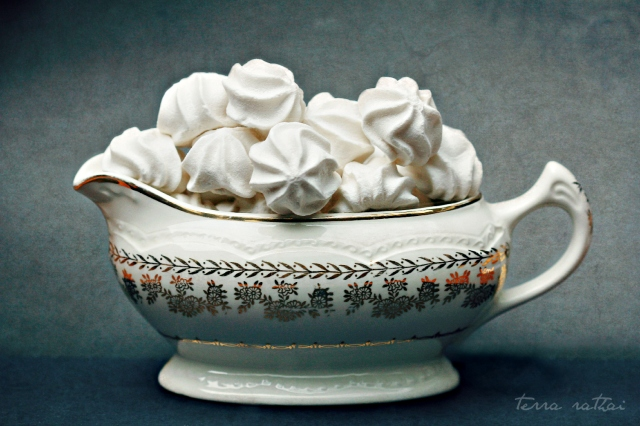 blog052913_meringue still life
