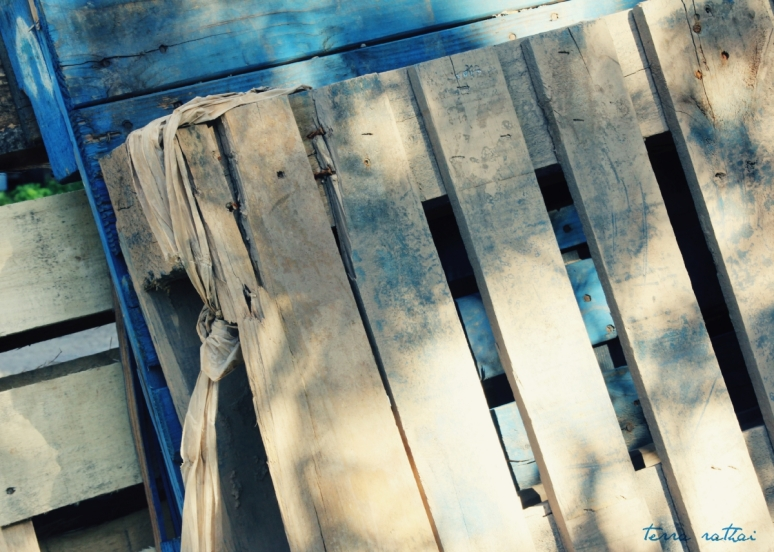 blog073015_pallet-in-blue